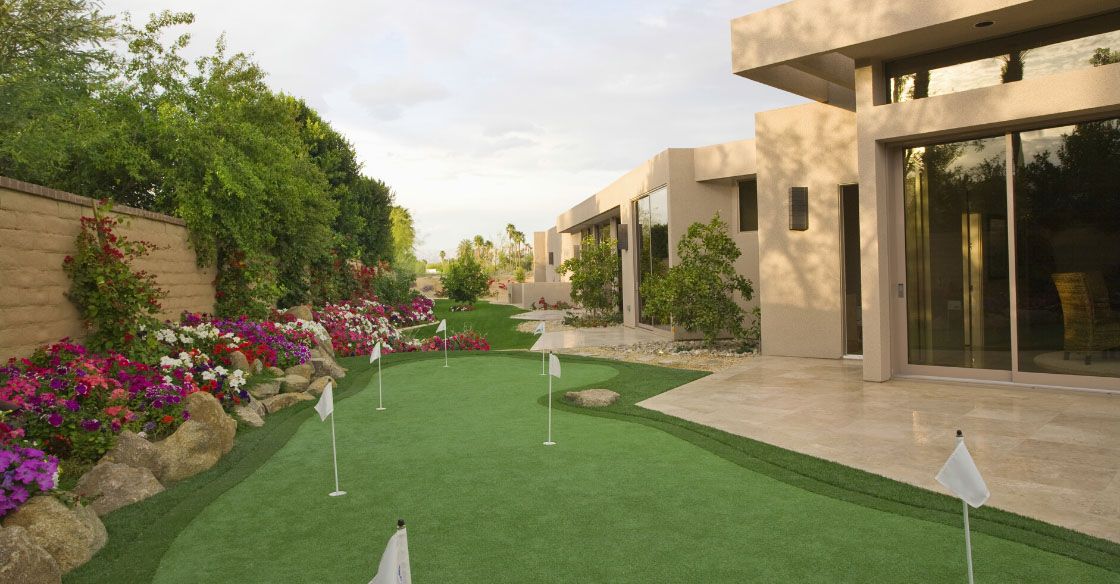 custom putting green backyard